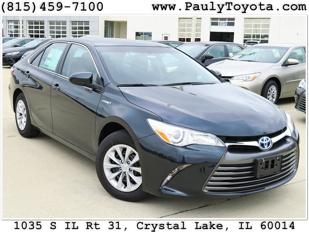 New 2017 Toyota Camry Hybrid Le 4d Sedan In Crystal Lake