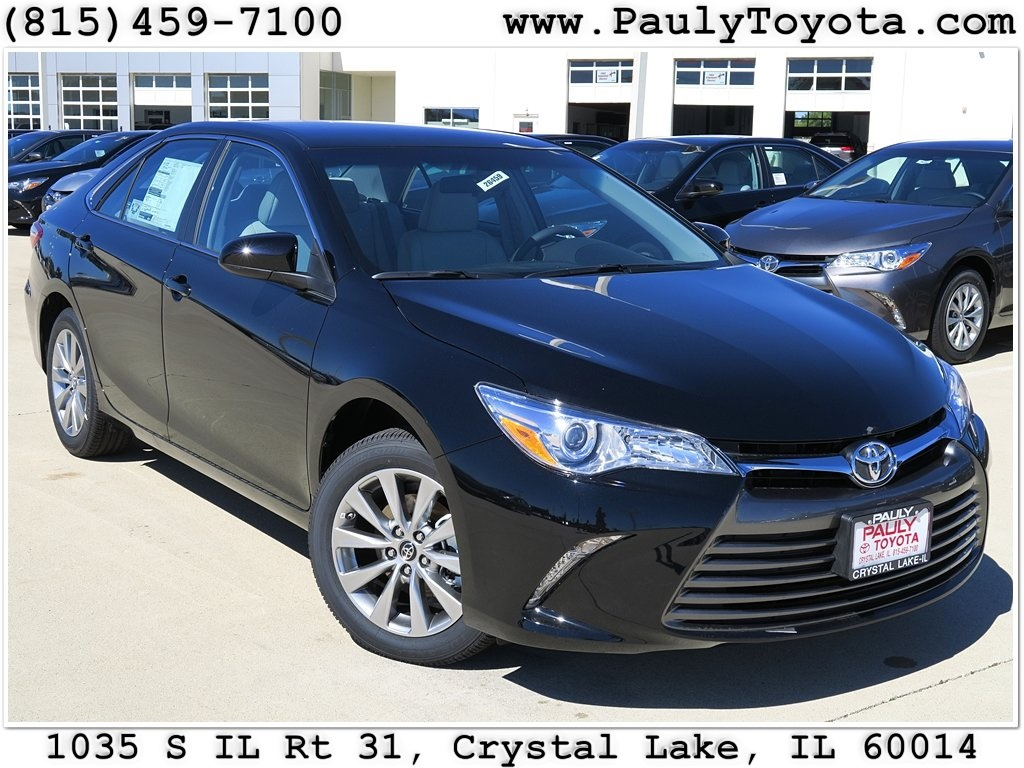 new 2017 toyota camry xle 4d sedan in crystal lake. Black Bedroom Furniture Sets. Home Design Ideas