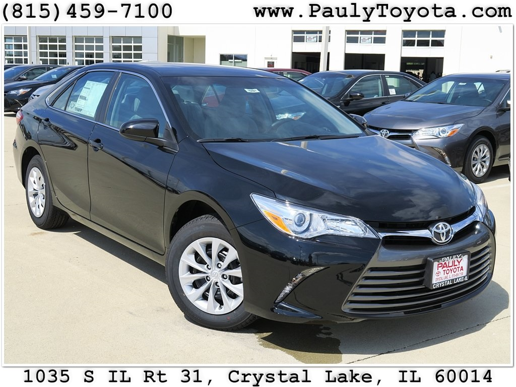 new 2017 toyota camry 4d sedan in crystal lake ca26401. Black Bedroom Furniture Sets. Home Design Ideas