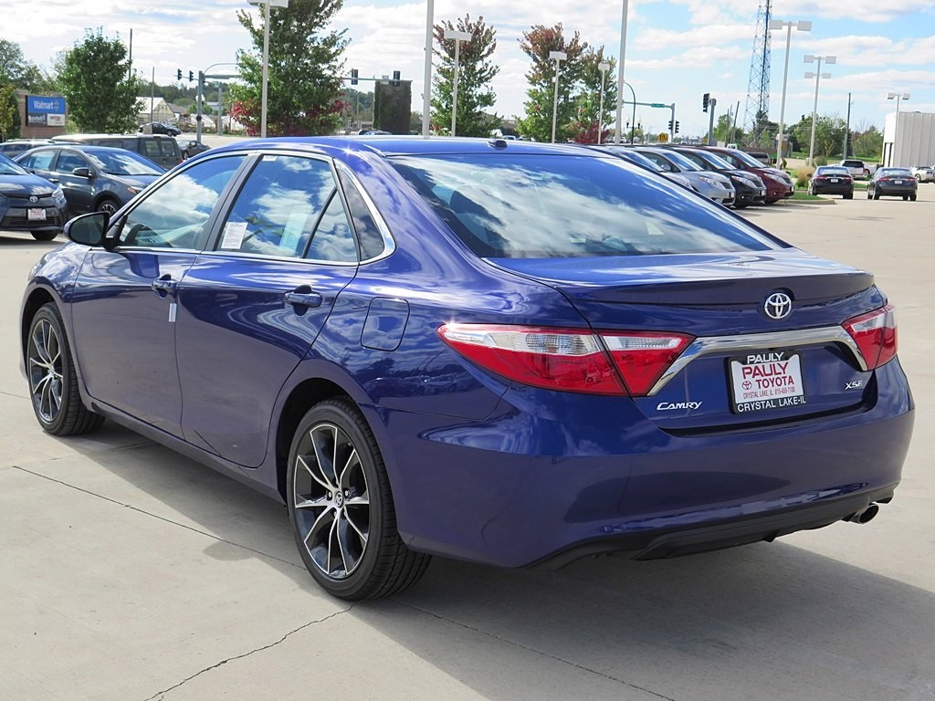 new 2016 toyota camry xse 4d sedan in crystal lake ca24156 pauly toyota. Black Bedroom Furniture Sets. Home Design Ideas